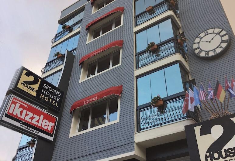 第二屋酒店, 伊士麥