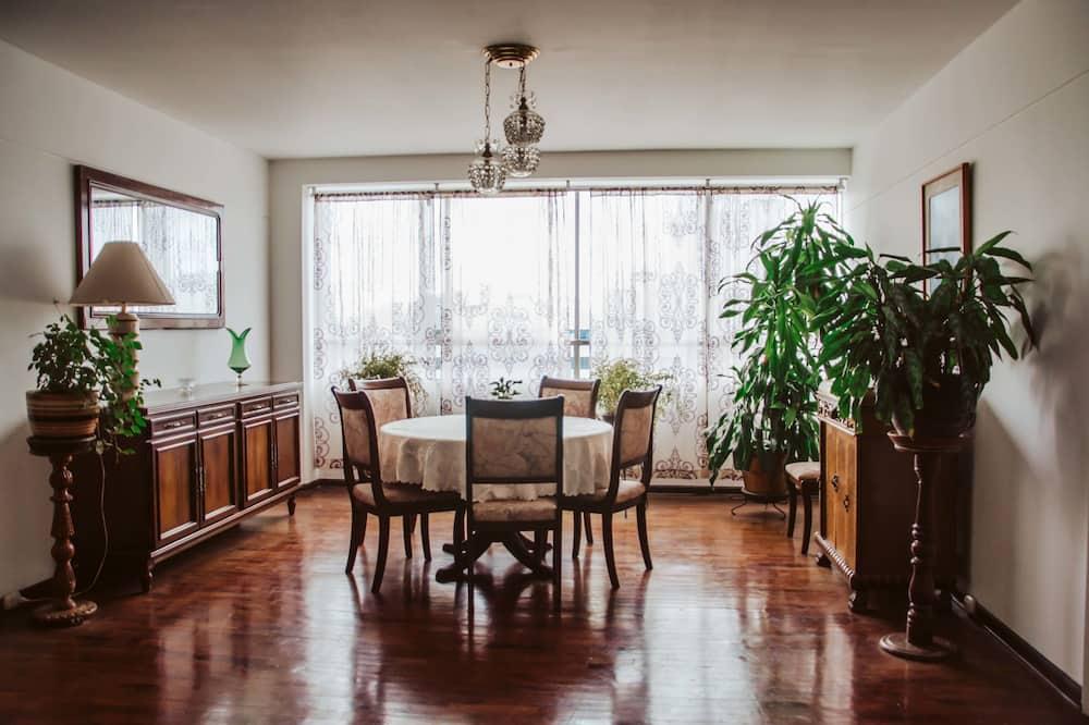 Apartmán, 3 spálne - Stravovanie v izbe