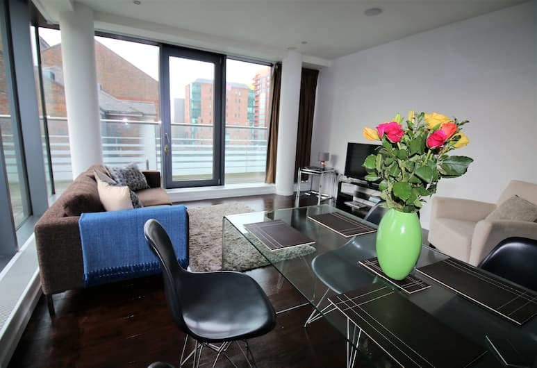 Executive Stay Docklands, London, Executive Apartment, 2 Bedrooms, River View, Living Area