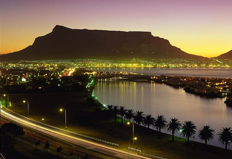 Lagoon Beach 237 by CTHA, Cape Town, Front of property - evening
