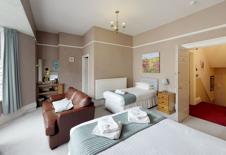 Tudor Guest House, Plymouth, Family Suite, Multiple Beds, Non Smoking (6), Guest Room