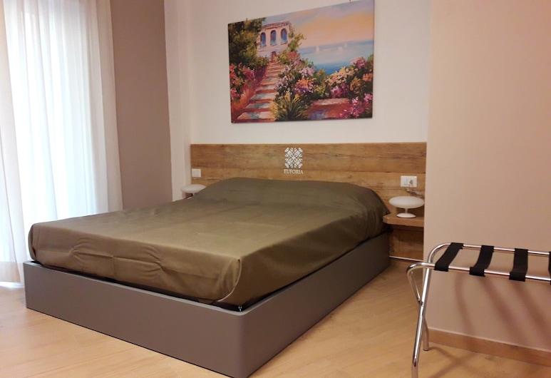 歐弗里亞酒店 - 拿坡里, 那不勒斯, 經典四人房, 客房