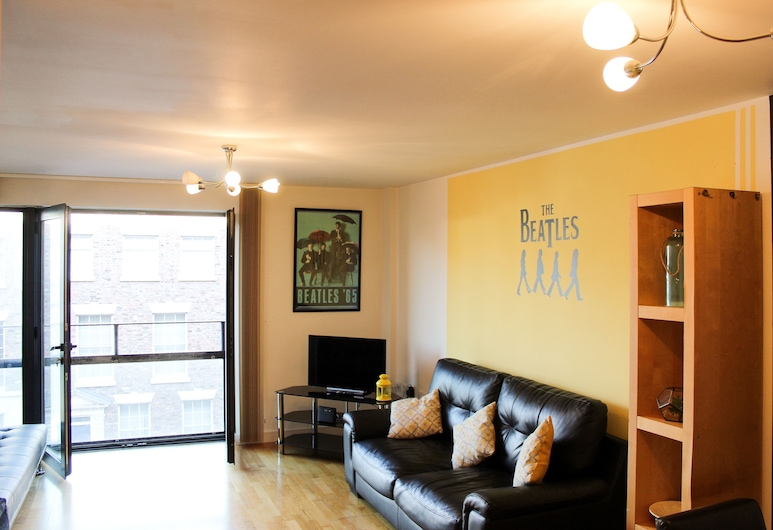 64 The Gardens, Liverpool, Apartment, 2 Bedrooms, Living Area
