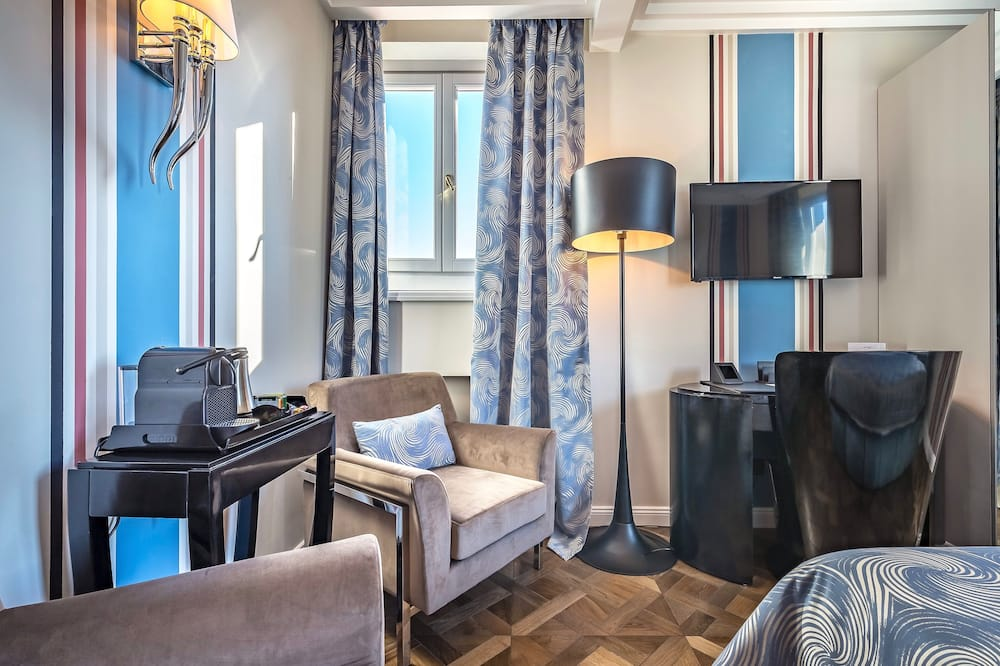 Kamar Double Eksekutif, 1 Tempat Tidur King - Area Keluarga