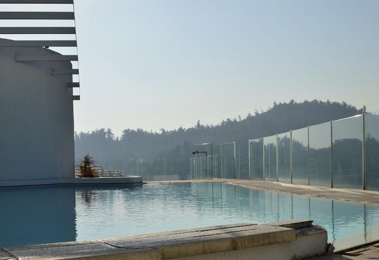 Lyon Suite, Santiago, Alberca al aire libre