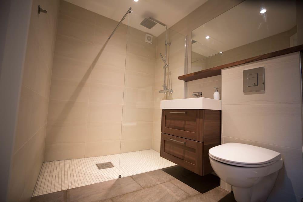 คอมฟอร์ทสตูดิโอ, เตียงใหญ่ 1 เตียง, ปลอดบุหรี่, วิวสวน - ห้องน้ำ