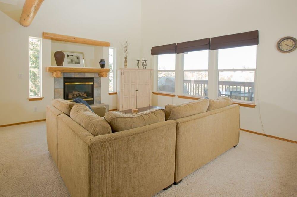 Sıra Ev, 4 Yatak Odası - Oturma Odası