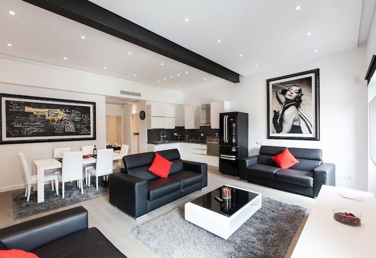 Amazing Vittoriano, Rome, Apartment, 1 Bedroom, Living Room