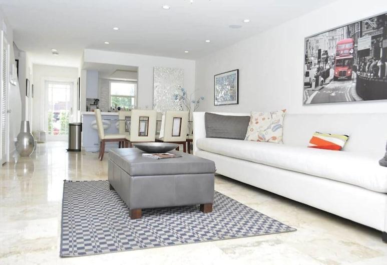 Villa San Souci, North Miami, Living Room