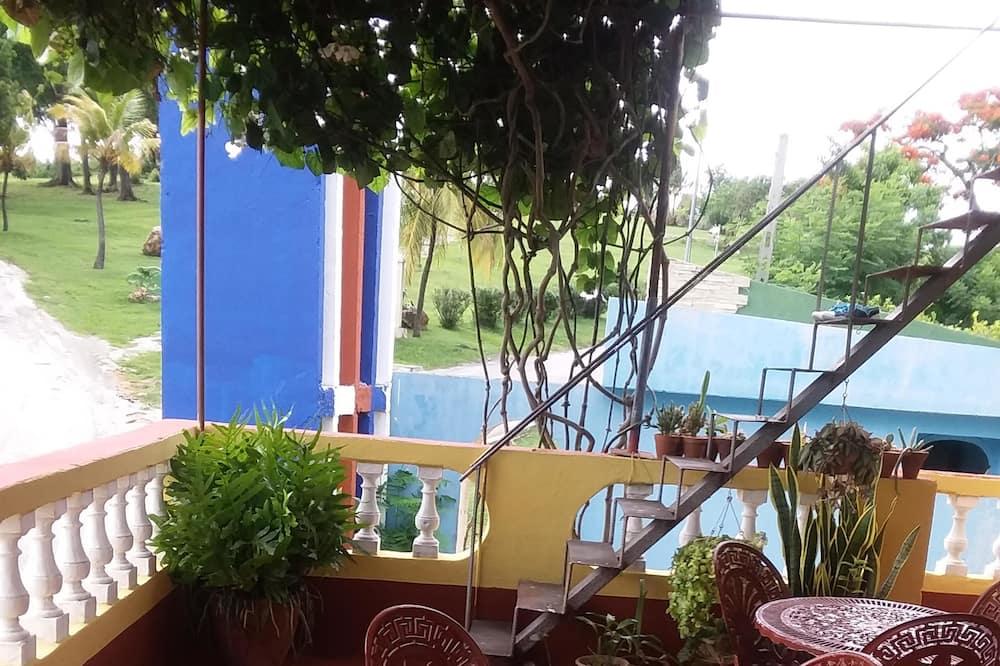 Standardna trokrevetna soba, Više kreveta, za nepušače - Terasa/trijem