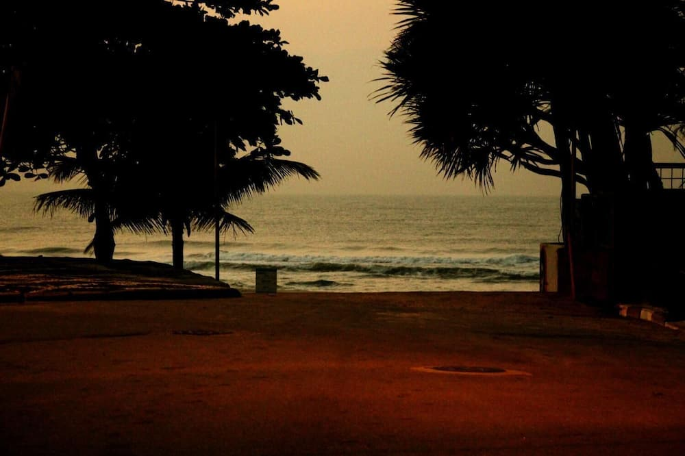ชายหาด