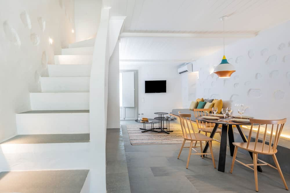 2 bedroom Maisonette with private sharing pool - Zona de estar