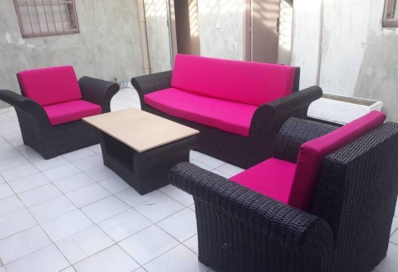 Hotel Restaurant du 3ème Pont, Abidjan, Terrace/Patio
