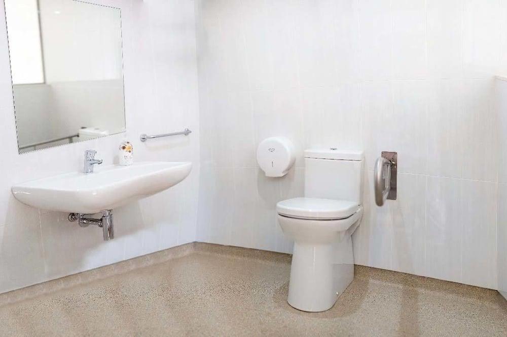 Standard Δίκλινο Δωμάτιο (Double ή Twin), 2 Μονά Κρεβάτια - Μπάνιο