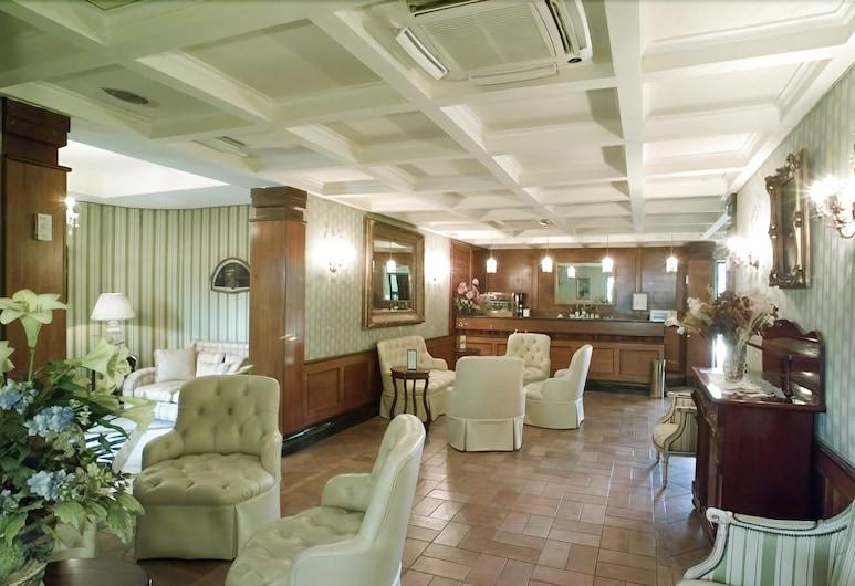 曼齊尼克洛弗利夫酒店, 羅馬, 大堂