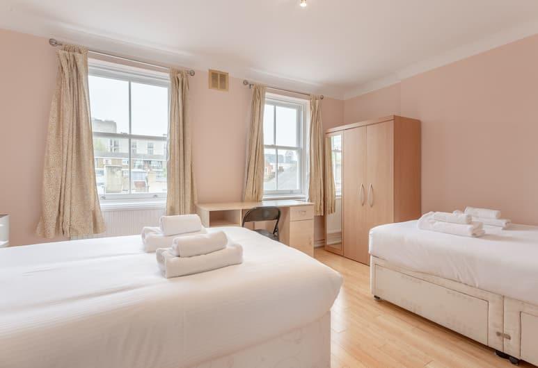 Spacious 3 Bedroom Flat in Covent Garden, London, Zimmer