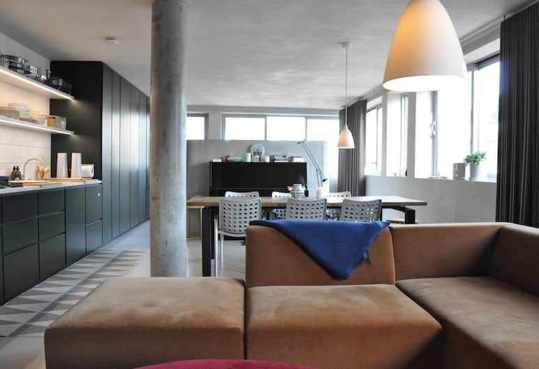 Stylish and Spacious 1 Bedroom Fitzrovia Apartment, London, Elutuba