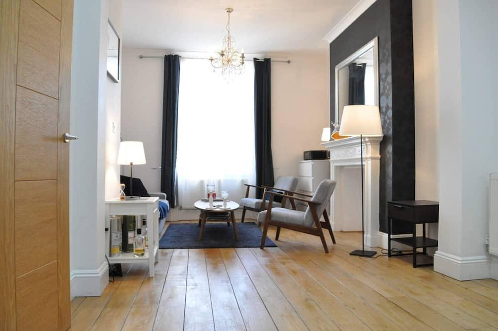 Апартаменти (3 Bedrooms) - Вітальня