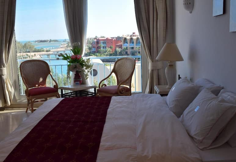 Amazing Penthouse with Sea and Roof Pool, El Gouna