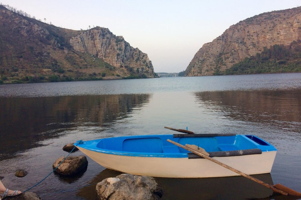 Göl Manzaralı