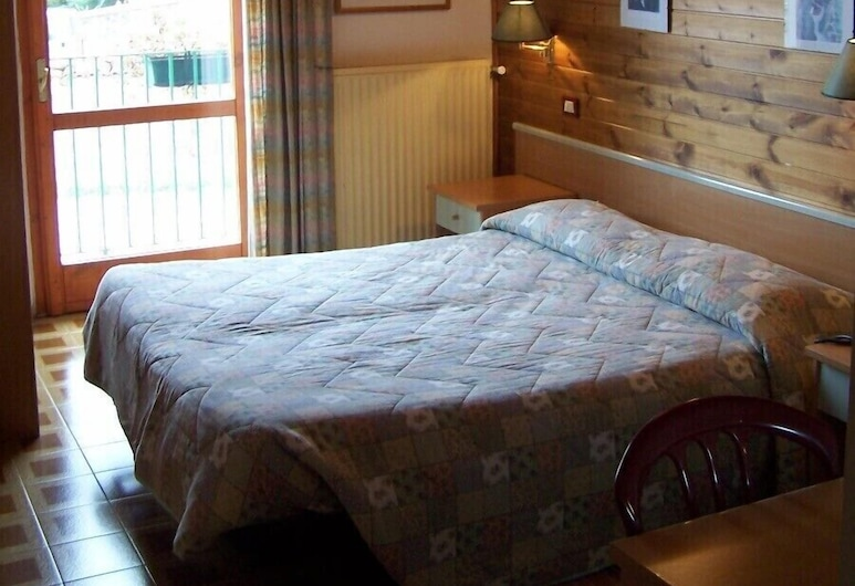 Hotel Ai 4 Camosci, Civitella Alfedena, Double Room, Guest Room