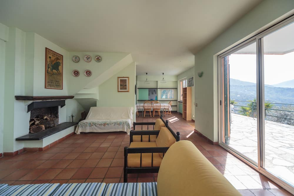 شقة - ٣ غرف نوم (A) - منطقة المعيشة