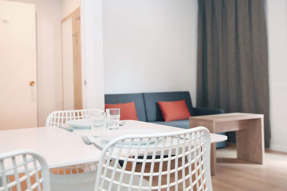 時尚公寓, 多張床, 城市景 (Apartamento 3-5 pax Deluxe) - 客廳
