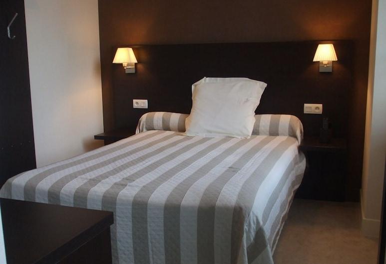 Le Relais, Saint-Quentin-les-Anges, Doppelzimmer, 1 Queen-Bett, Nichtraucher, Zimmer