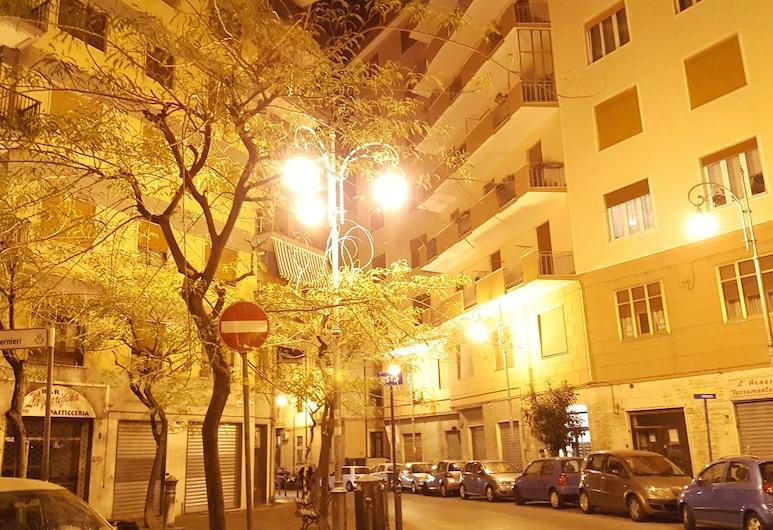 B&B Portarotese, Salerno, חזית המלון