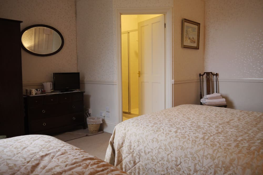 חדר משפחתי, שירותים צמודים - חדר אורחים