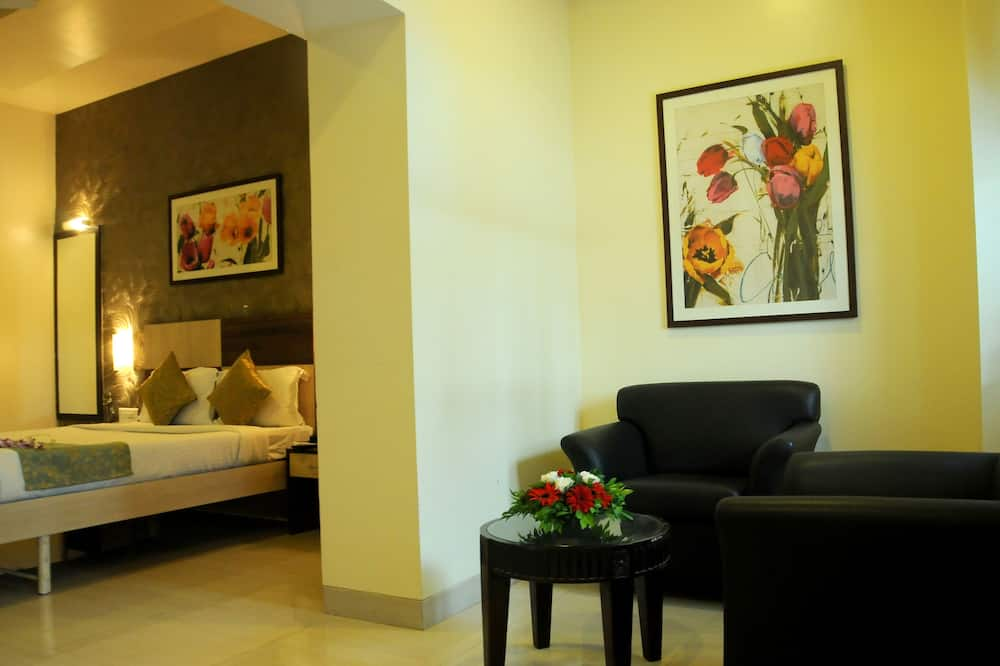 Deluxe Double or Twin Room, Accessible, City View - Guest Room