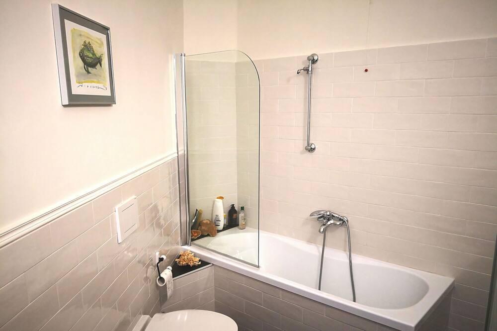 シングルルーム 共用バスルーム - バスルーム