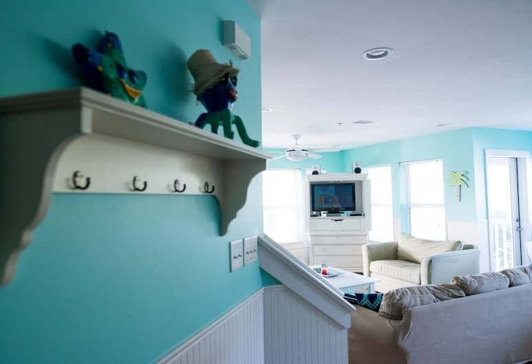 Sunshine on Tybee, Tybee Island, Condo, Multiple Beds (Sunshine on Tybee), Living Room