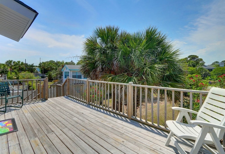Movie House Lot C, Tybee Island, Apartment, 2 Queen Beds (Movie House Lot C), Balcony