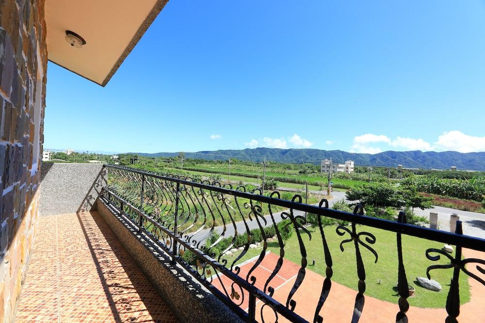 Family Suite, Non Smoking, Balcony - Mountain View