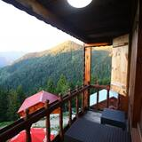 Luxury Room, Shared Bathroom - Balcony