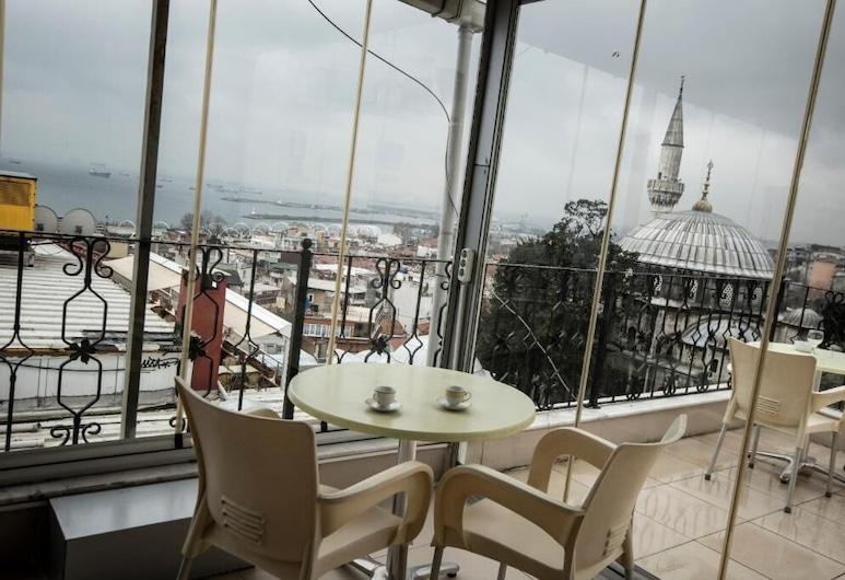 Black Pearl Apart Istanbul, Istanbul, Štandardná trojlôžková izba, nefajčiarska izba, Terasa