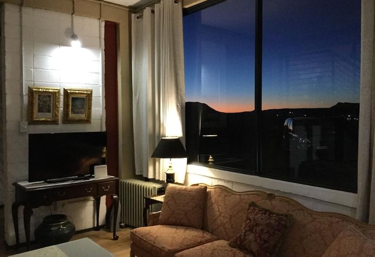The Advocate Suites, Maseru, Living Area