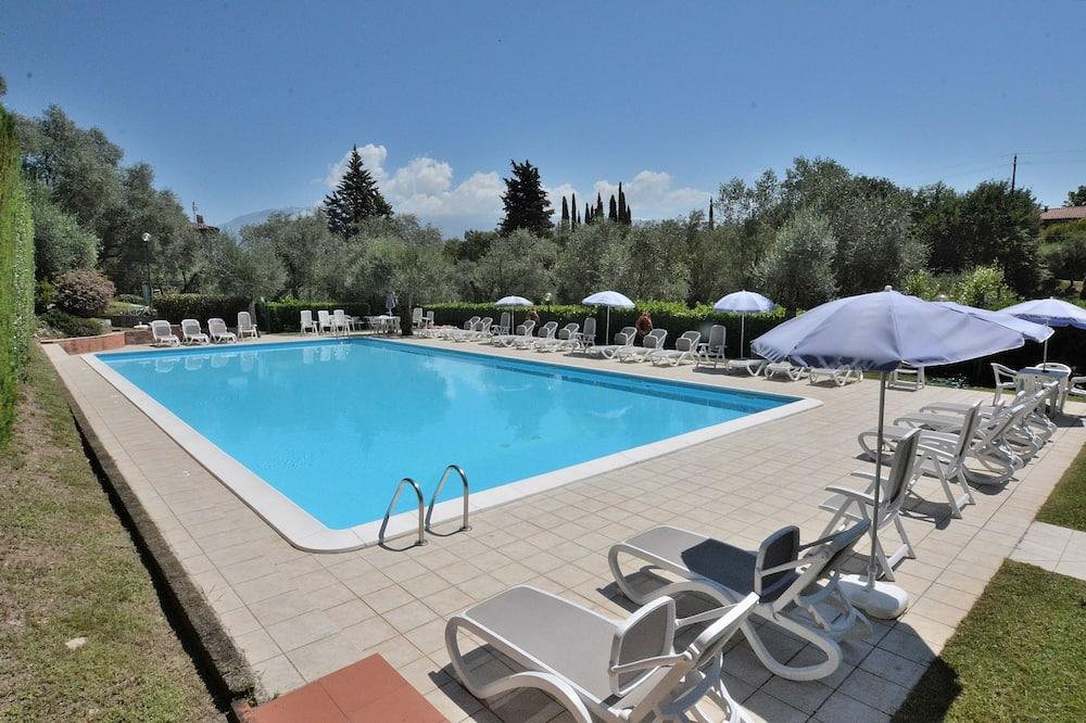 Apartment La Fiore 1 With Pool