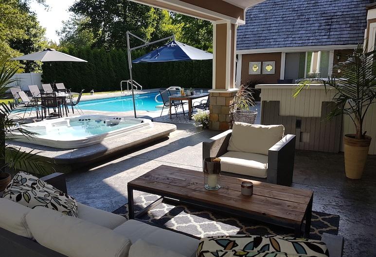 Suite Smart Ocean Park Luxury Rentals, Surrey, Habitación de lujo, 3 habitaciones, patio, Terraza o patio