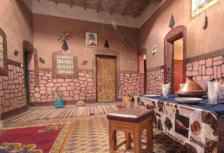 Auberge Tifaoute Kasbah, Ait Benhaddou, Dining
