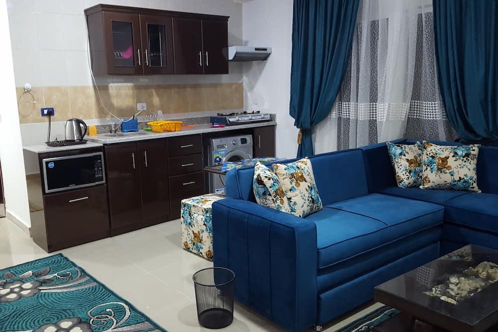 Vila, 2 spálne, výhľad na bazén - Obývačka