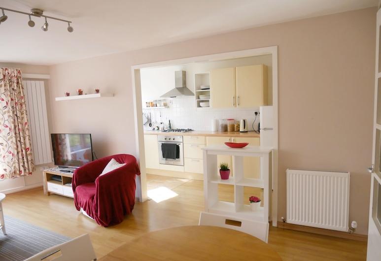 Bright 2 Double Bedrooms Apartment, Edinburgh