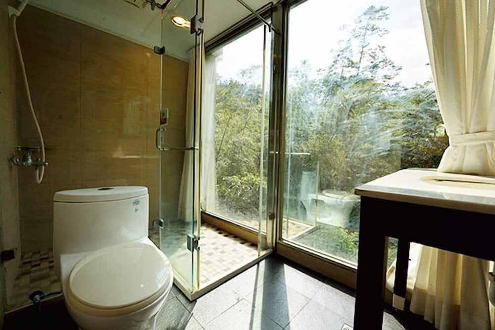 Номер категорії «Комфорт», багатомісний номер, з видом на гори - Ванна кімната