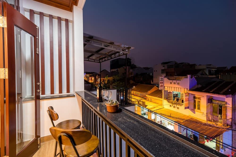 Family Suite, Balcony, City View - Pemandangan Balkoni