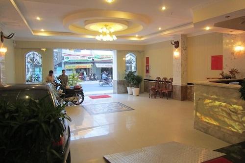 โรงแรมตันกูลอง/