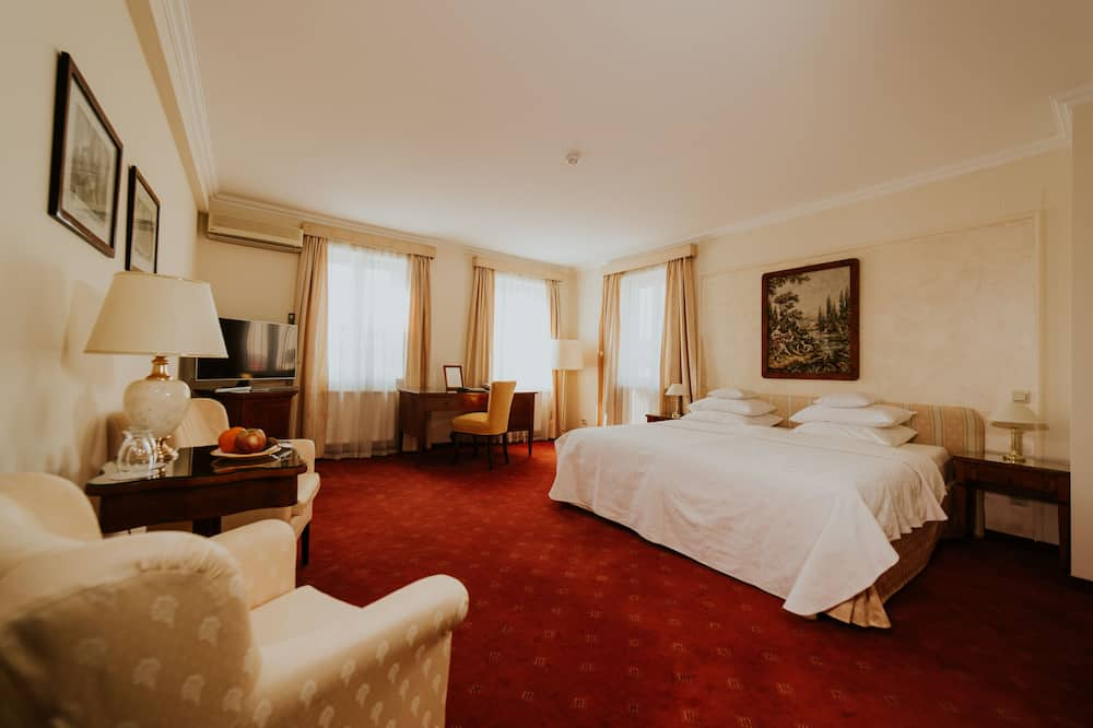 Suite, 1 Double Bed - Living Room