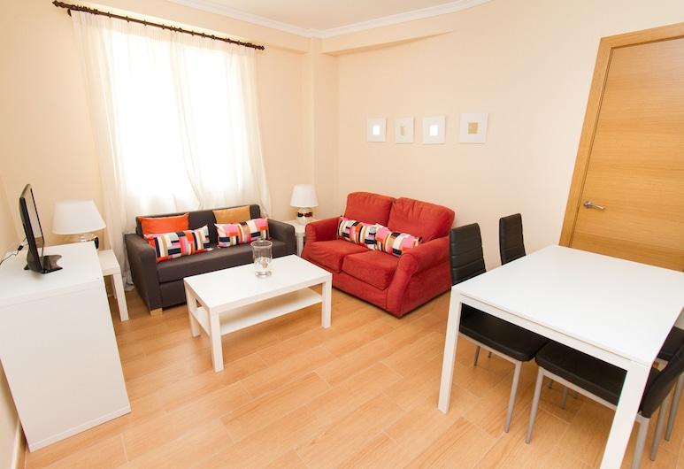 Delightful two bedroom Into Cathedral Square, Málaga