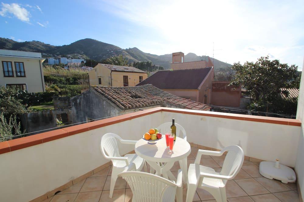 Apartment, 2 Bedrooms (Aura) - Balcony