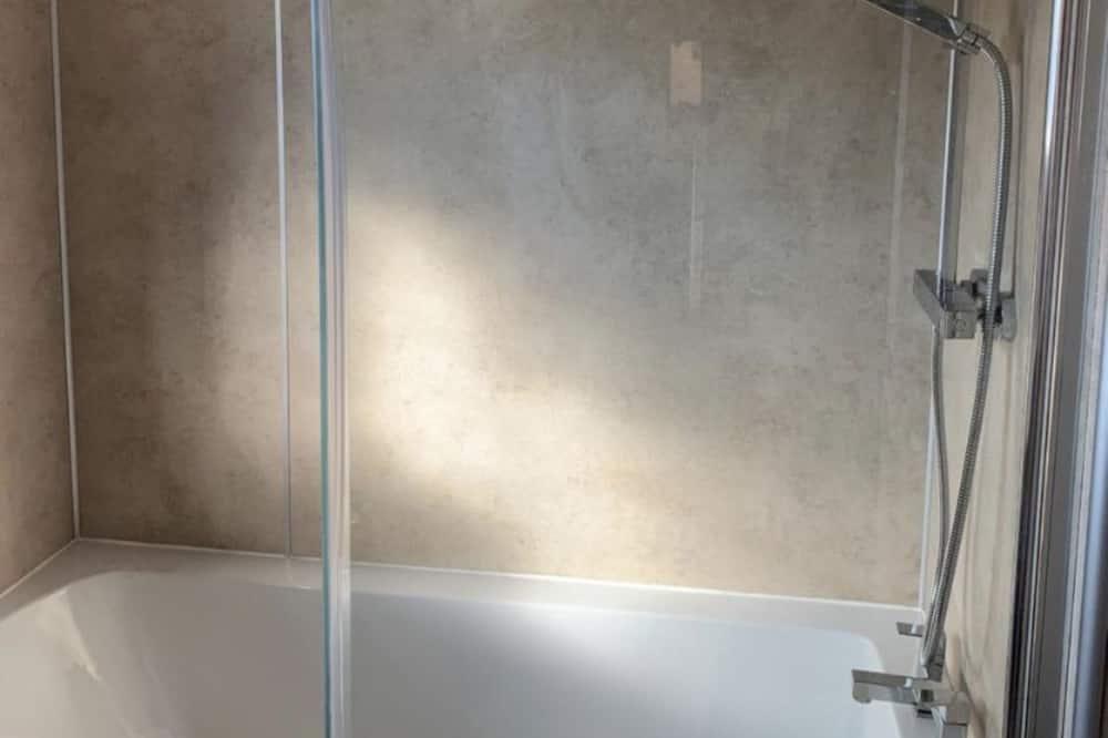 House, Multiple Beds, Non Smoking - Bathroom